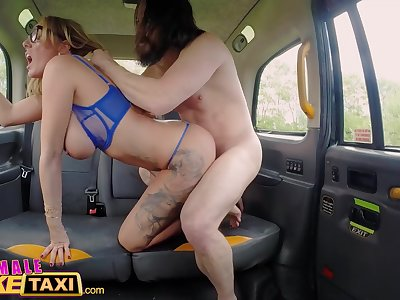 Female Faux Taxi Hook-up addicts skip therapy for fuck-fest